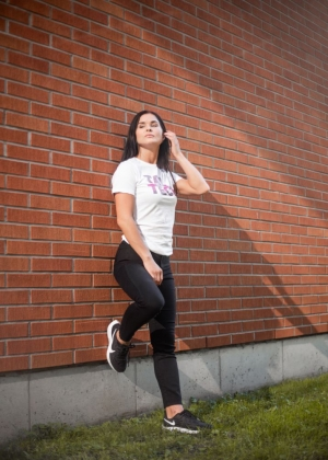 White T-shirt with gradient logo for women